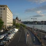 sony-fe-35-embankment-budapest